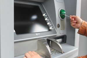 How to Pick a Bank and Avoid Fees